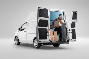 Nissan-e-NV200-XL-tyle-drzwi