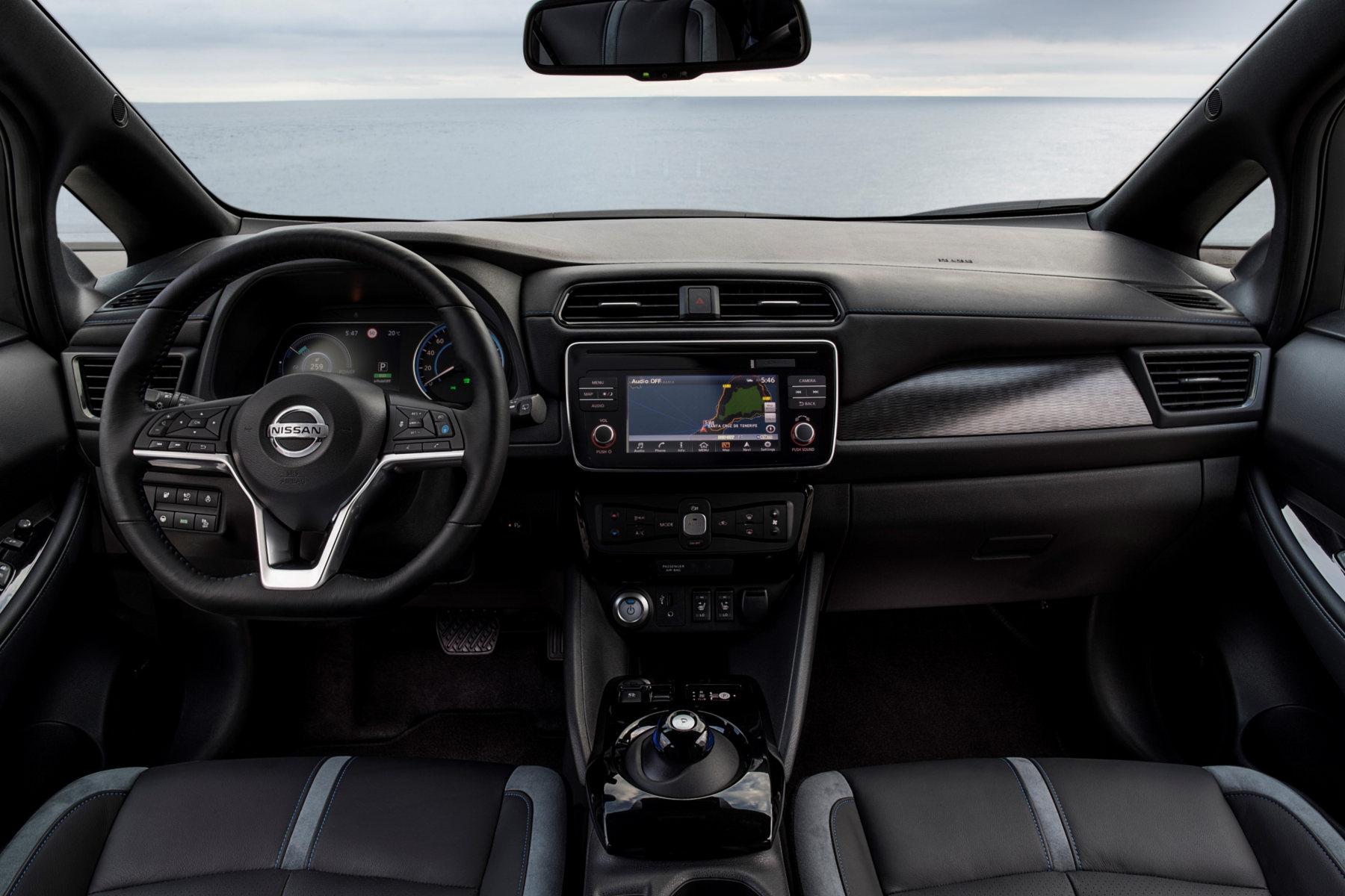 Nowy Nissan Leaf - wnętrze - Mad Mobil