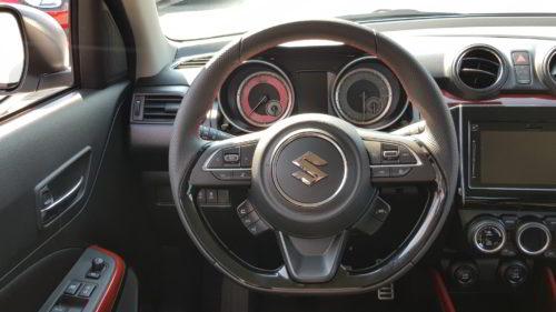 Suzuki Swift Sport wnętrze