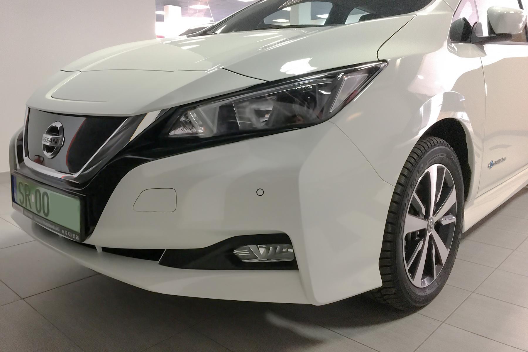 Nissan Leaf - zielone tablice